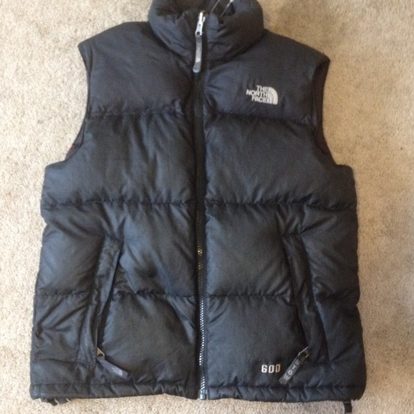 THE NORTH FACE Youth Boys size medium puffy vest. M 542c12a3781950437d26b34a c353f2d28