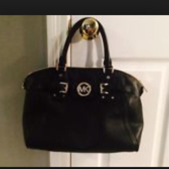31% off Michael Kors Handbags - Michael Kors Hudson Large Black ...
