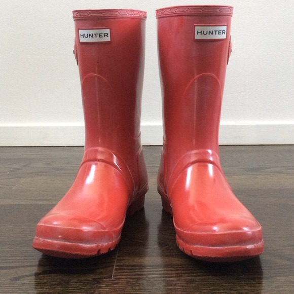 Hunter Boots - Hunter Short Red Rain Boots from B's closet on Poshmark