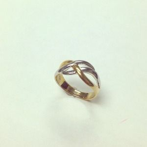 Jewelry - Designer Silver 925 Ring. Two tone.