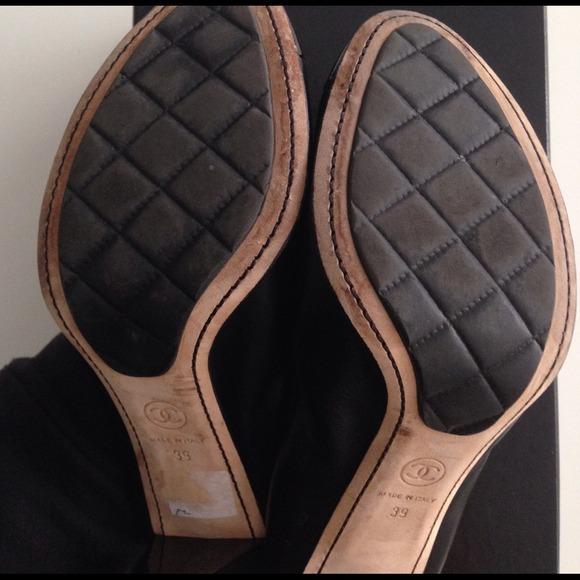 CHANEL Shoes - Authentic CHANEL Escarpins Pump