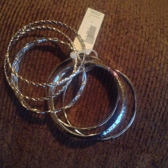 50 versona jewelry bangle set from caitlyn s closet
