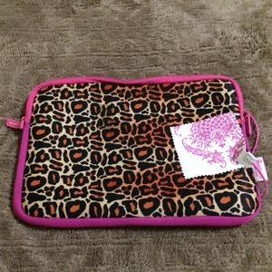 Ipad/Tablet case W Screen cleaner