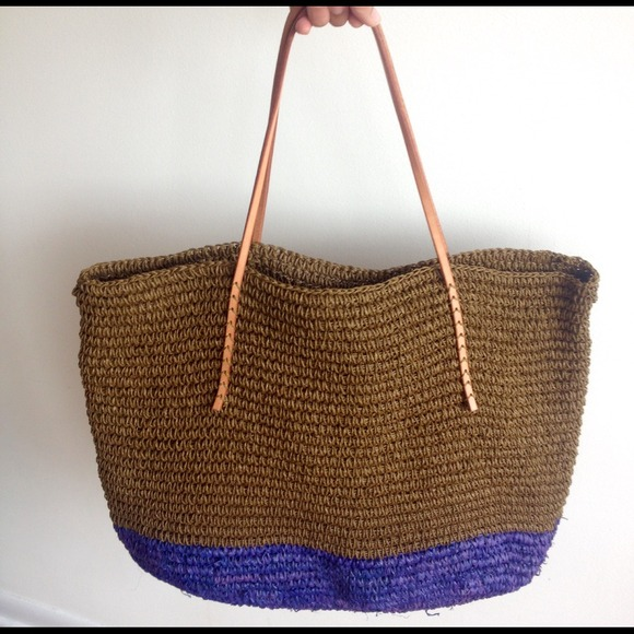 Straw tote bag with genuine leather handles OS from Angelica ...