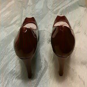 Wine patents shoe