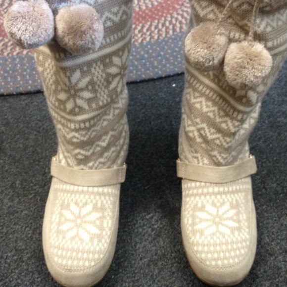 Red Camel Snow Boots like new