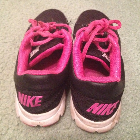 nike shoes for girls pink and black. nike shoes - 👟girls 3y black pink gym shoes👟 for girls and