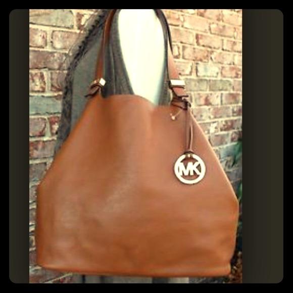 20635dc99dbc Michael Kors Bags | Colgate Large Reversible Grab Bag | Poshmark