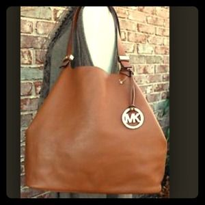 Michael Kors Colgate Large Reversible Grab Bag 