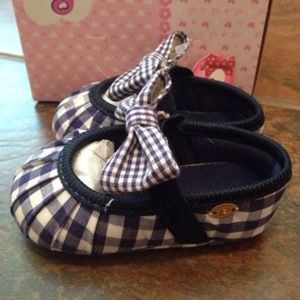 Pampili Other - Pampili baby bow checker shoe