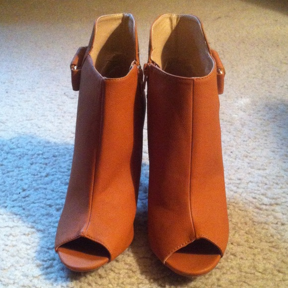 Reducedtan Pu Leather Peep Toe Booties