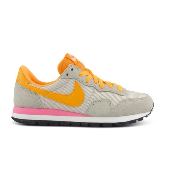 new product 32bef a1f54 Nike  83 Sneaker