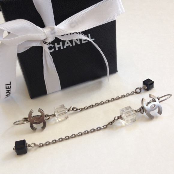 CHANEL Jewelry - ✨CHANEL✨ earrings - AUTH 💯 beautiful & classy