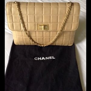Vintage AUTHENTIC Chanel Lambskin Handbag