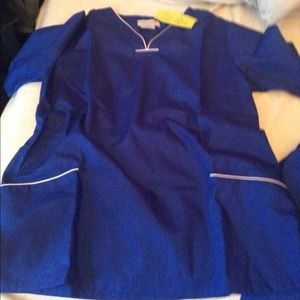 Brand new scrubs set
