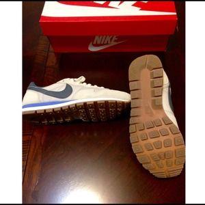Nike Shoes - Nike Vintage Collection Air Pegasus '83 size 7.5