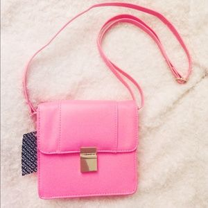 🎉Host Pick🎉 Neon pink shoulder bag