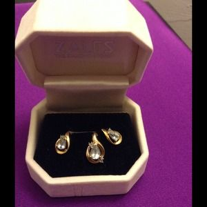 Jewelry - 10k gold  aquamarine set reduced from $175
