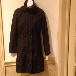 Spring rain coat in black from Cole Haan