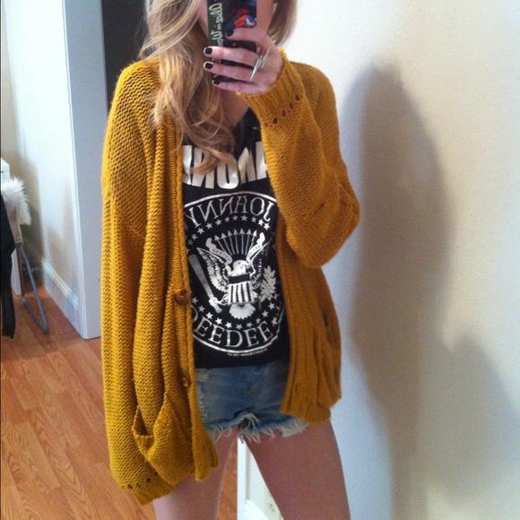 db0267443f7 Mustard yellow oversized cardigan. M 5431b246ba53407e83231c11