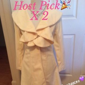 🎉HP🎉Gorgeous Ivory Color Light Weight Coat-NWOT
