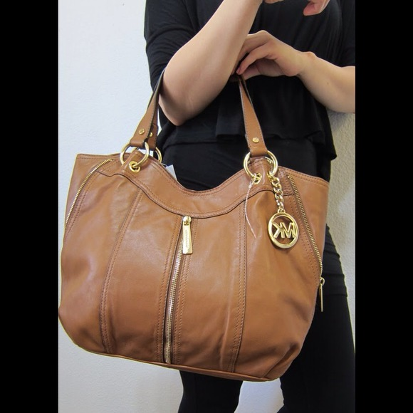 4799d4e02ee146 Michael Kors Bags | Mk Moxley Medium Shoulder Bag | Poshmark
