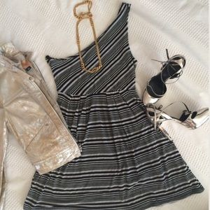 UO ONE SHOULDER STRIPPED BLACK AND GREY DRESS