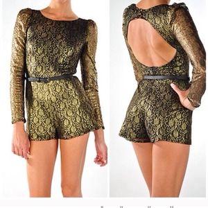 🔴SOLD❗️❗️❗️🔴 Black & gold long sleeve romper