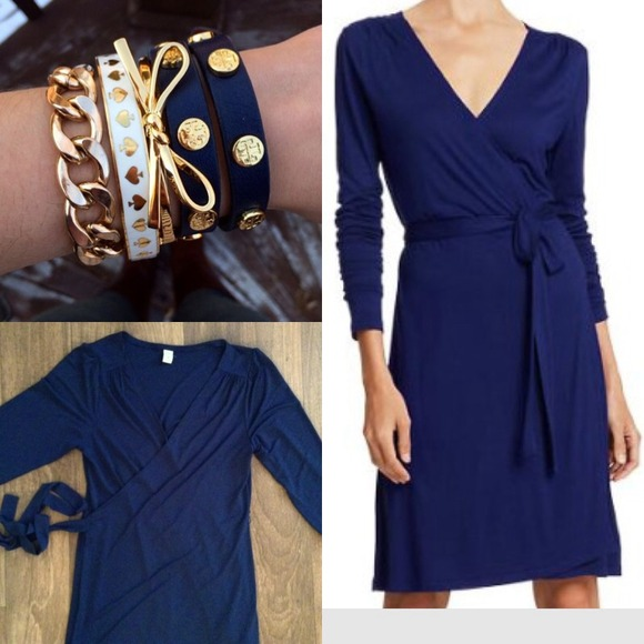 Old Navy - Navy blue true wrap dress excellent condition!! from ...