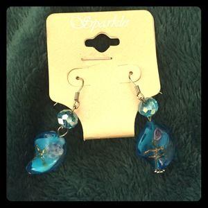Cute dangling earrings 😘