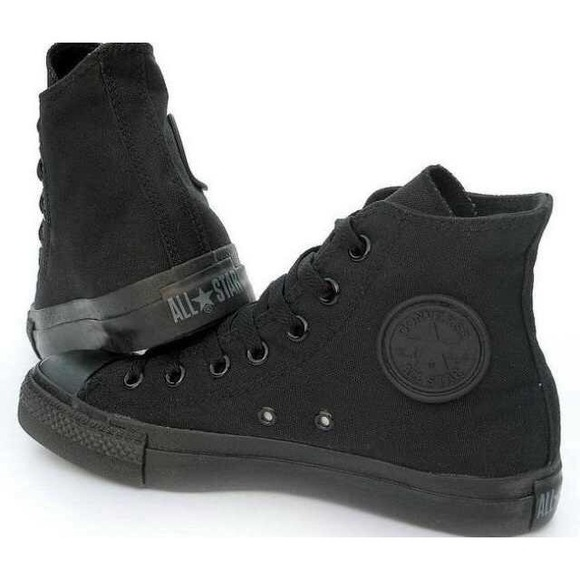 6379d415fe0 Converse Shoes - All black Converse hightops size 4