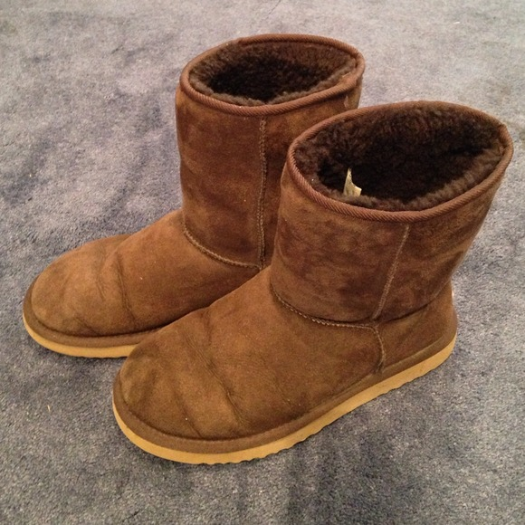 classic short brown uggs