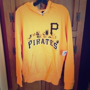 Pittsburgh Pirates sweatshirt NWT