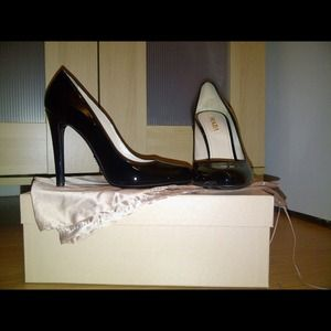 HOST PICK  authentic Prada pumps
