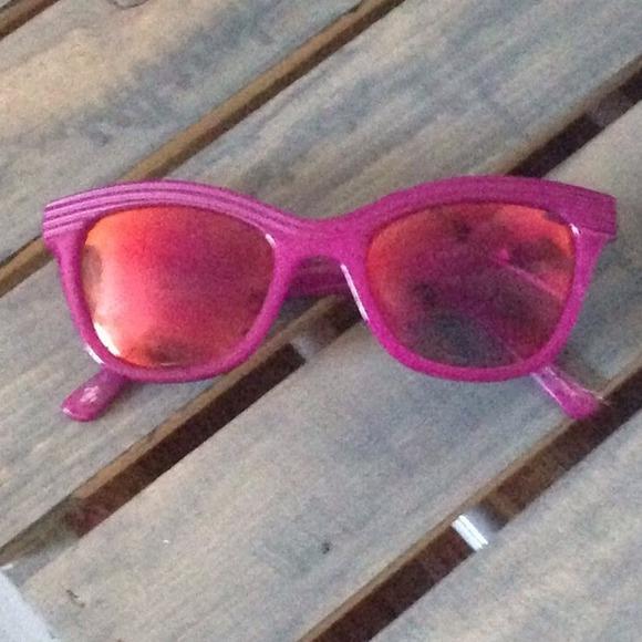 Cole Haan Cat Eye Sunglasses Bundled Cole Haan Magenta Cat