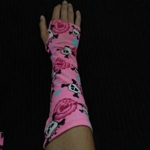 Justice Accessories - Pink Skull Fingerless Gloves