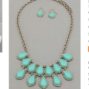 NEW teal statement necklace