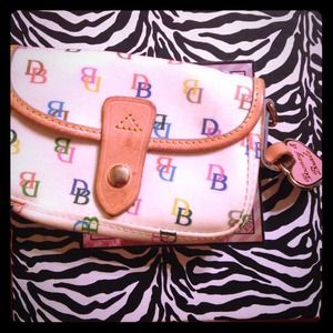 Dooney&bourke clutch bag.