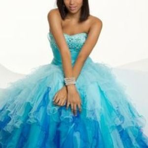 Plus Size Blue Ombré Formal/Prom Gown
