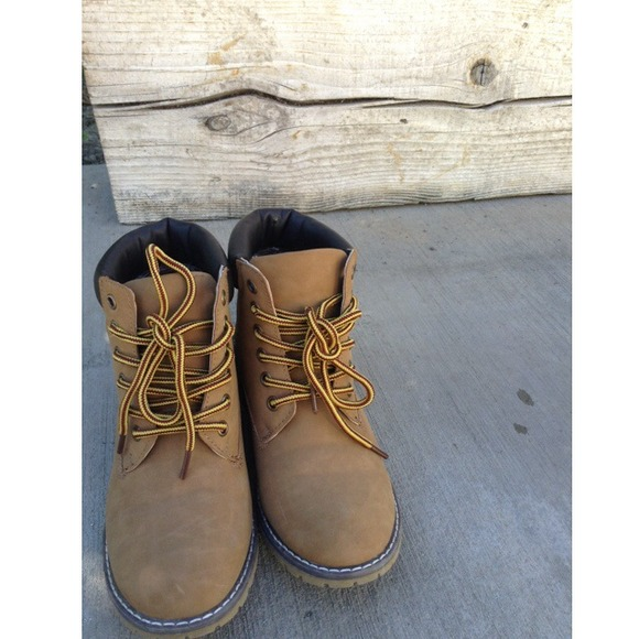 On Inspired For Sold Pacsun 30 Timberland Boots Shoes Vinted qzwWA1B