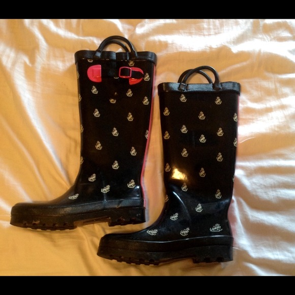 83% Off PINK Victoriau0026#39;s Secret Boots - Victoria Secret ...