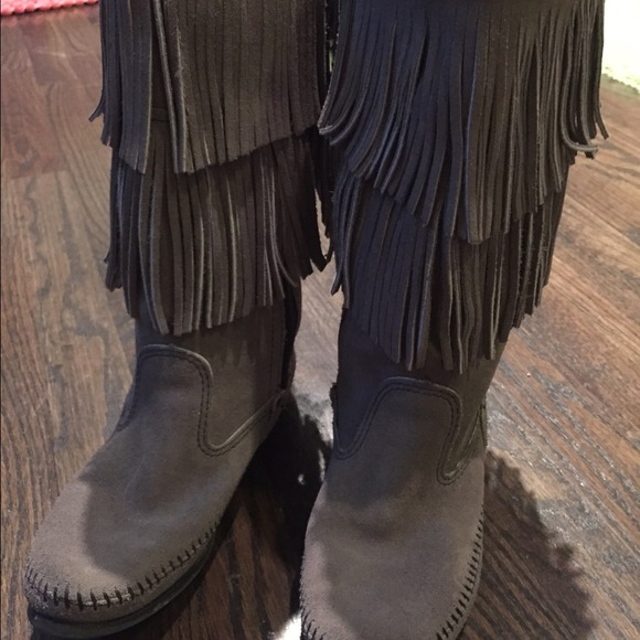 41% off Minnetonka Boots - Grey Minnetonka two layer fringe boots ...