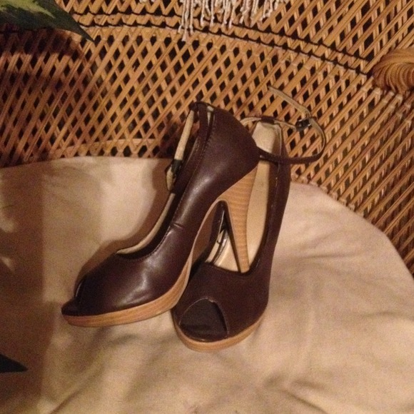 "Shoes - 4"" peep toes ankle buckled heels"