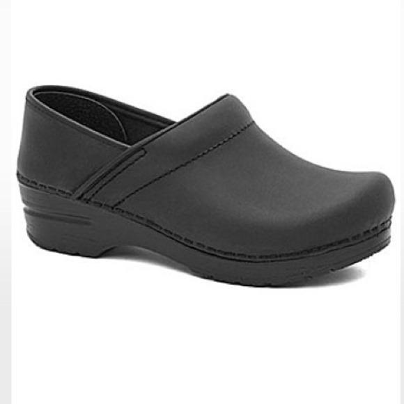 43 dansko shoes black dansko shoes from kalyn s