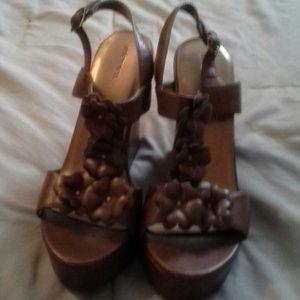 Xhiliration Brown Platform Sandels Size 8 1/2