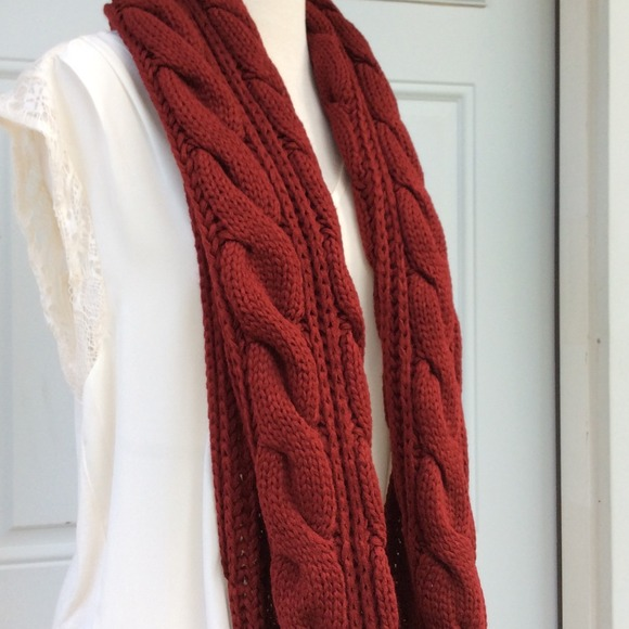 Cable Knit Infinity Scarf Pattern : 71% off Accessories - CLOSEOUT New Red Cable Pattern Knit INFINITY SCARF from...