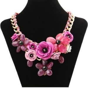 Gorgeous flower statement necklace