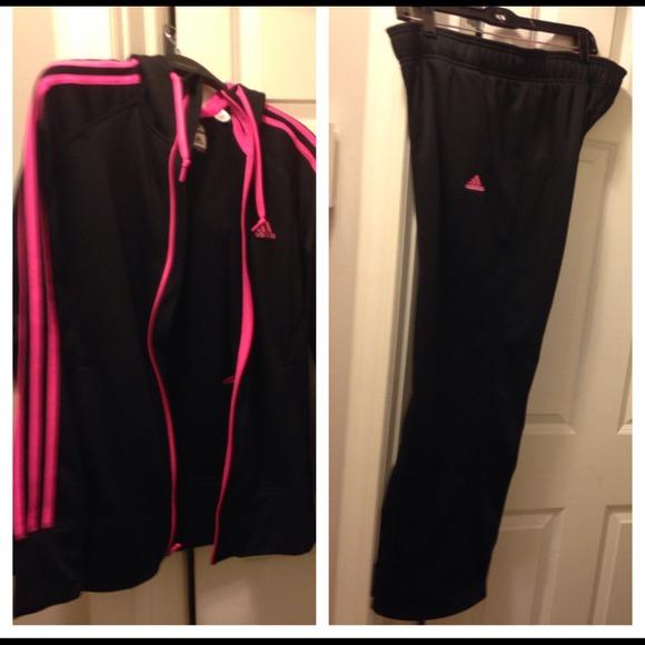 NWT Pink and Black Women s Adidas jogging suit e69e06d65