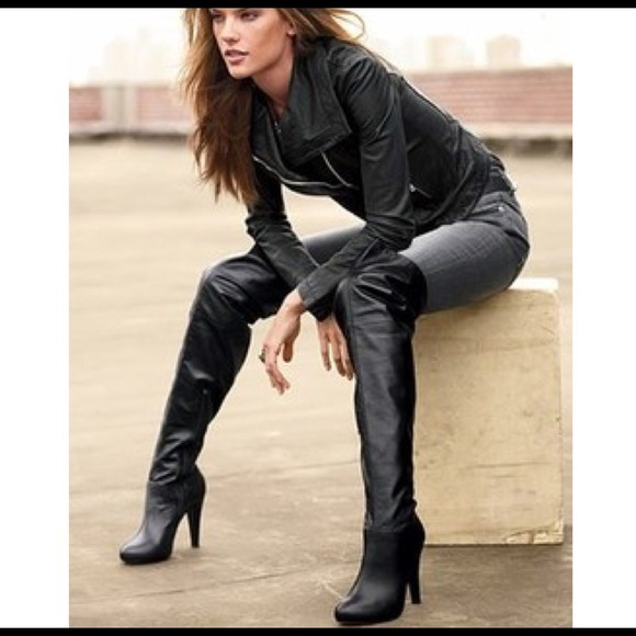 black leather boots over the knee | Gommap Blog