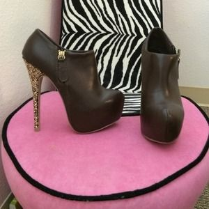 *New* Leopard heel booties (size 6)